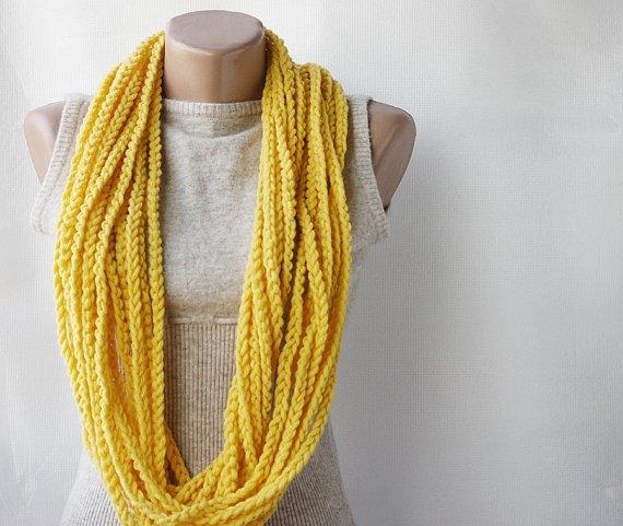Beginner Crochet Tutorial: The Chain Stich
